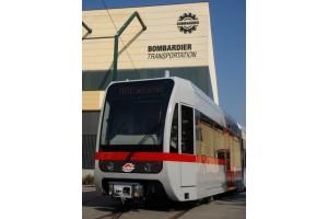 Erster Wagen der neuen klimatisierten Niederflur-Stadtbahn-Generation für die Wiener U-Bahnlinie U6 (März 2007), Foto: Bombardier Transportation Austria