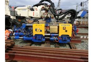 Der Schweißroboter APT 1500 R wird für den Einsatz auf japanischem Kapspur-Gleis vorbereitet. Foto: Plasser & Theurer Export von Bahnbaumaschinen Gesellschaft m.b.H.