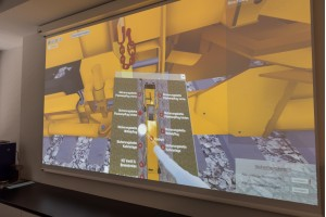 Der VR-Pflugsimulator bietet sich für nahezu alle aktuellen Maschinen zur Schotterverteilung und -planierung an.Bild: Plasser & Theurer Export von Bahnbaumaschinen Gesellschaft m.b.H.