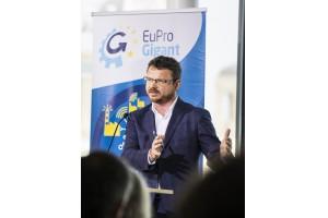 Dr. Florian Auer leitet den Geschäftsbereich Technologie und Innovation bei Plasser & Theurer.© Matthias Heschl