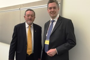 BAHNINDUSTRIE.at-Vizepräsident DI Thomas Karl (rechts) und Bryan Nye (CEO Australasian Railway Association)Foto: FREQUENTIS AG