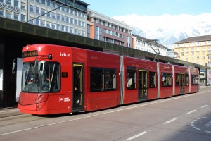 Straßenbahn Innsbruck, Tw 351 beim Hauptbahnhof